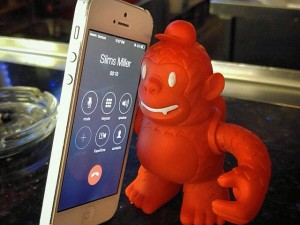 That friend that's constantly on the phone… #reddiefreddie
