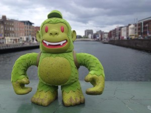 Cheers to @MailChimp & @replyall for sending Swampy Freddie to me. He's been out exploring Dublin all day. #mailkimp